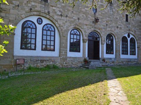 Църква Успение на Пресвета Богородица - град Елена
